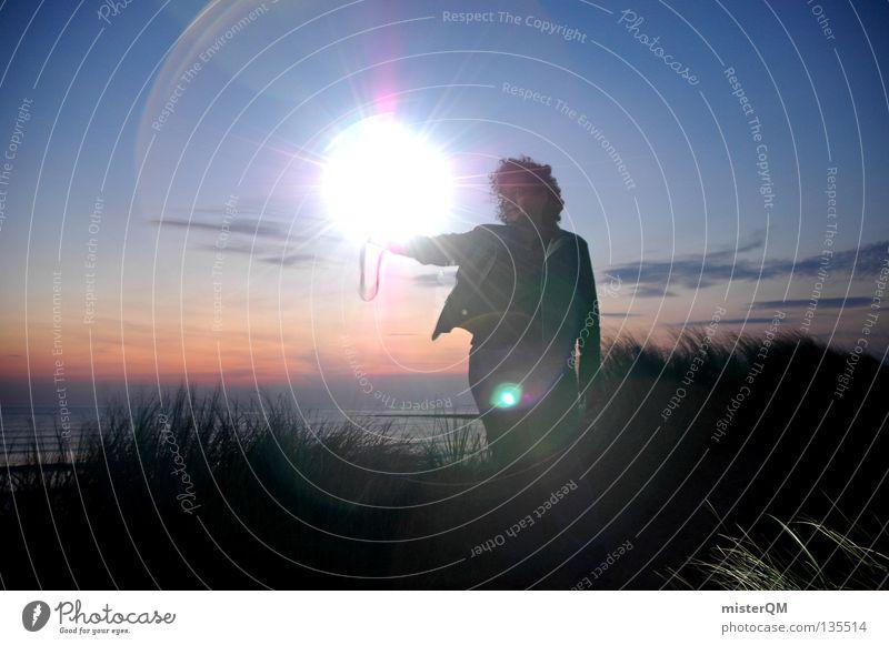 Hex Hex! Sonne blau rot Sommer Strand Ferien & Urlaub & Reisen schwarz Wolken dunkel hell Hintergrundbild Aktion modern gefährlich bedrohlich Freizeit & Hobby
