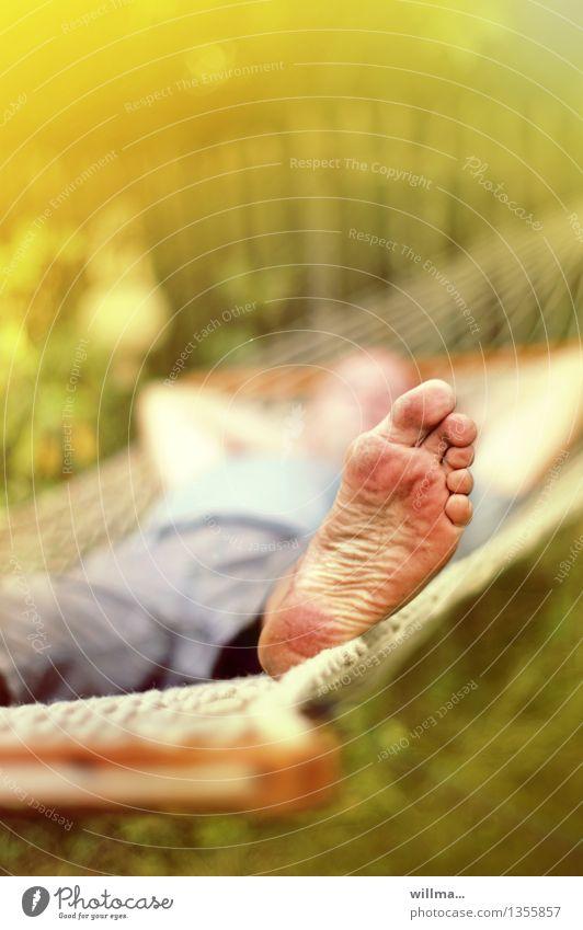 Heißegal Fuß Hängematte Sommer Fußsohle dreckig Zehen 1 Mensch Erholung schaukeln sommerlich ausruhend Farbfoto Außenaufnahme Mann