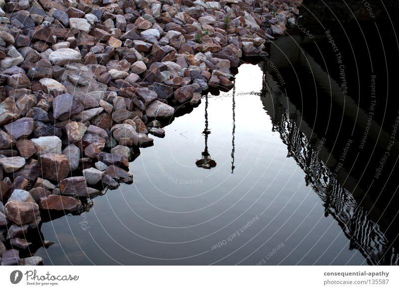 wasser spiegelung... Wasser blau grau Stein Park Küste Brücke Fluss Laterne Bach Reflexion & Spiegelung Mineralien Dinkel