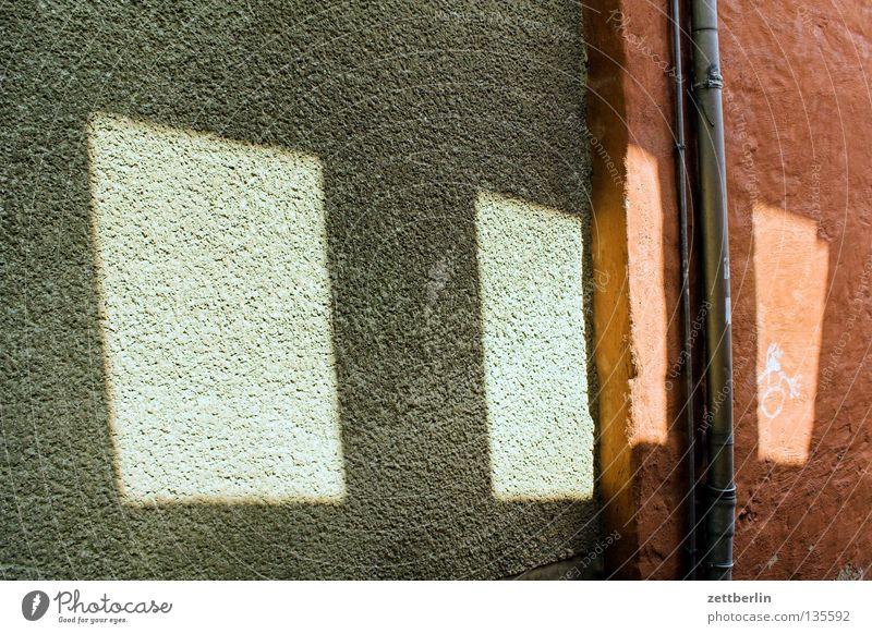 Halken Wand Haus Licht Fenster Durchbruch Regenrinne Fallrohr Ruine Sachsen-Anhalt verfallen Architektur obskur Schatten regenrohr aschersleben halken