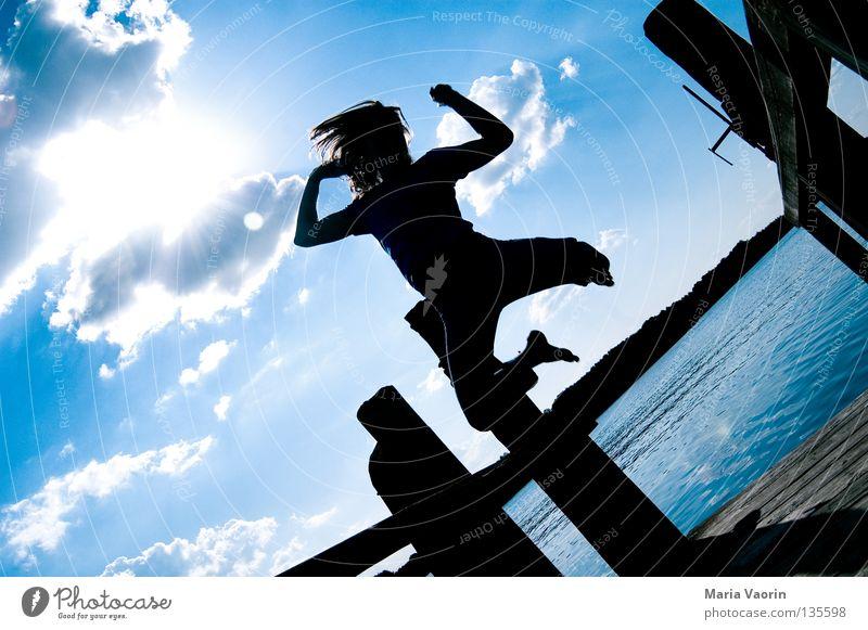 sprunghaft (3) springen hüpfen hoch Wolken Sprungkraft Bewegung See frei Gefühle Freude Begeisterung Applaus Leben Gesundheit Turnen Karriere Sprungbrett