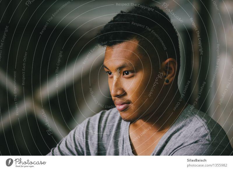 Junger Mann Portrait III Mensch Jugendliche schön Freude 18-30 Jahre Erwachsene Gefühle Stil Glück Lifestyle Kopf Mode Stimmung maskulin