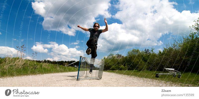 shopping surfer - flucht Mensch Himmel Mann grün blau Sommer Wolken Einsamkeit Ferne Straße Wiese springen Landschaft Stein Wärme Zufriedenheit