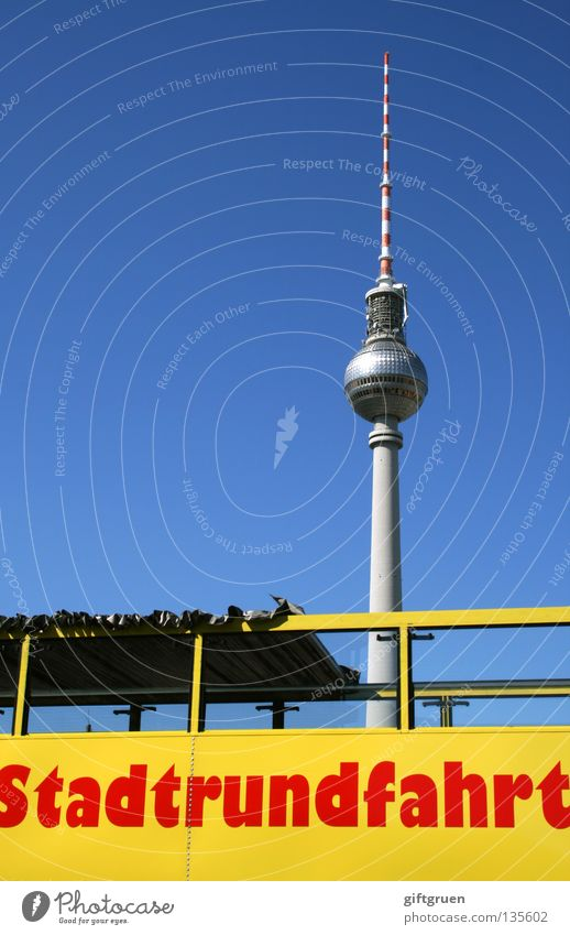 touri-alarm Ferien & Urlaub & Reisen Berlin Kunst Verkehr Tourismus Denkmal Bus führen Wahrzeichen Tourist Berliner Fernsehturm Hauptstadt Sightseeing