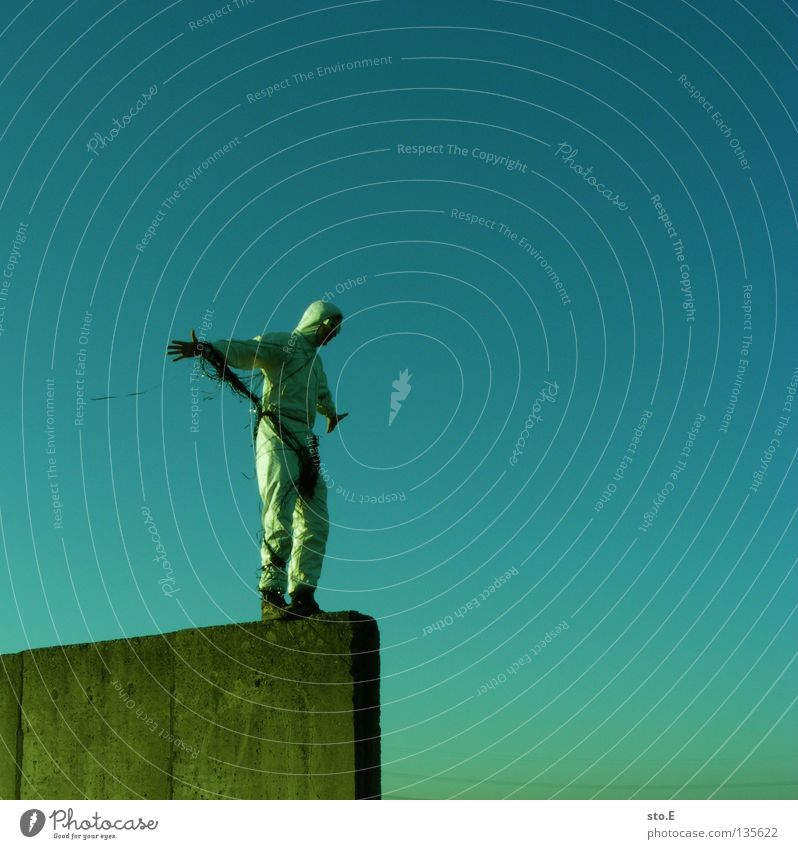 TAPE 3000 - durchstarter Mensch Himmel Mann Freude Wolken Beine Luft Musik Freizeit & Hobby Arme maskulin Seil Brille Schnur Technik & Technologie diagonal