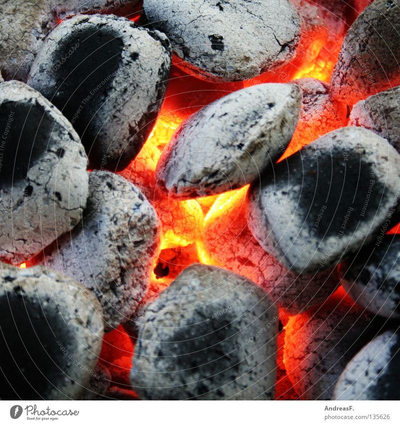 Grillen rot Sommer Ernährung Wärme Brand gefährlich Physik Gastronomie heiß Kohle brennen glühen Brandasche Glut