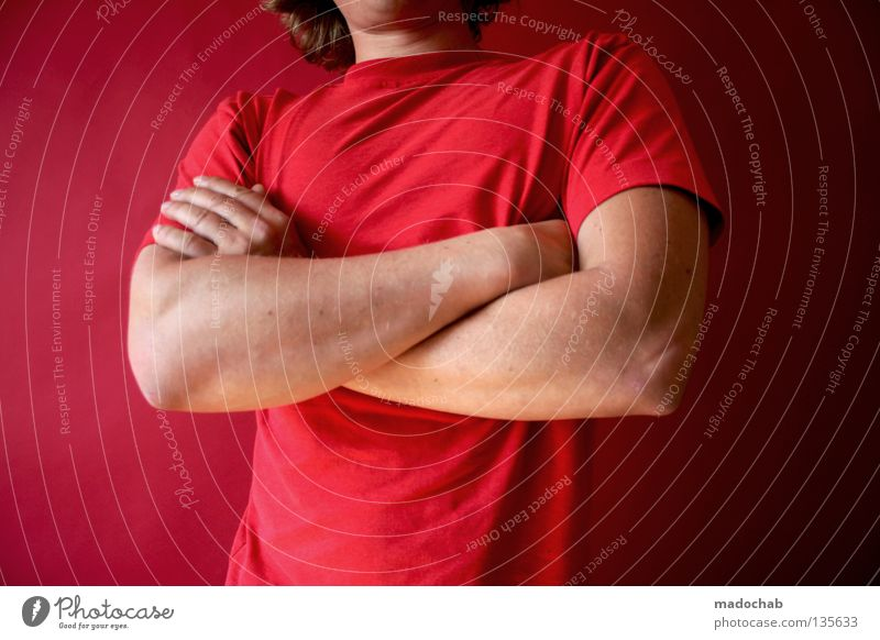 Ablehnung Türsteher verschränkte Arme Konflikt Kompromiss Mensch Mann Hand rot Farbe Wärme Kraft maskulin Erfolg stehen Lifestyle Macht Körperhaltung