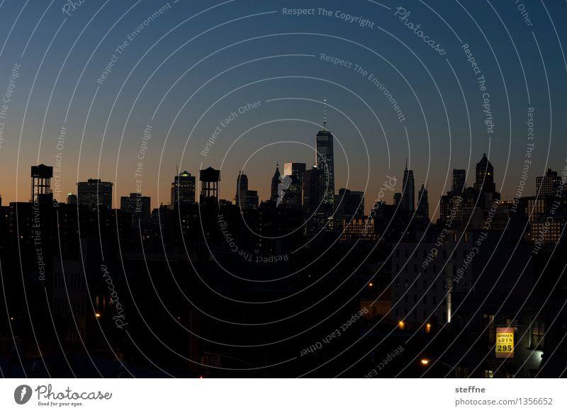 Brookhattan Wolkenloser Himmel Sonnenaufgang Sonnenuntergang Schönes Wetter New York City Manhattan Brooklyn Stadt Skyline bevölkert überbevölkert Haus Hochhaus