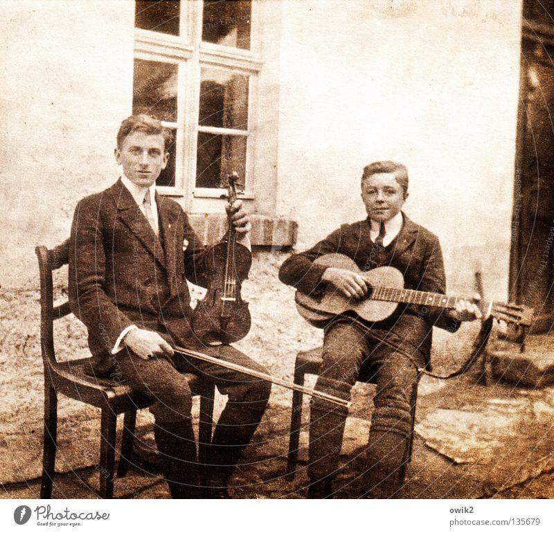 Boygroup Mensch Jugendliche alt Junger Mann Stil Paar Freundschaft Freizeit & Hobby Musik sitzen retro Kultur historisch Vergangenheit Veranstaltung Erinnerung