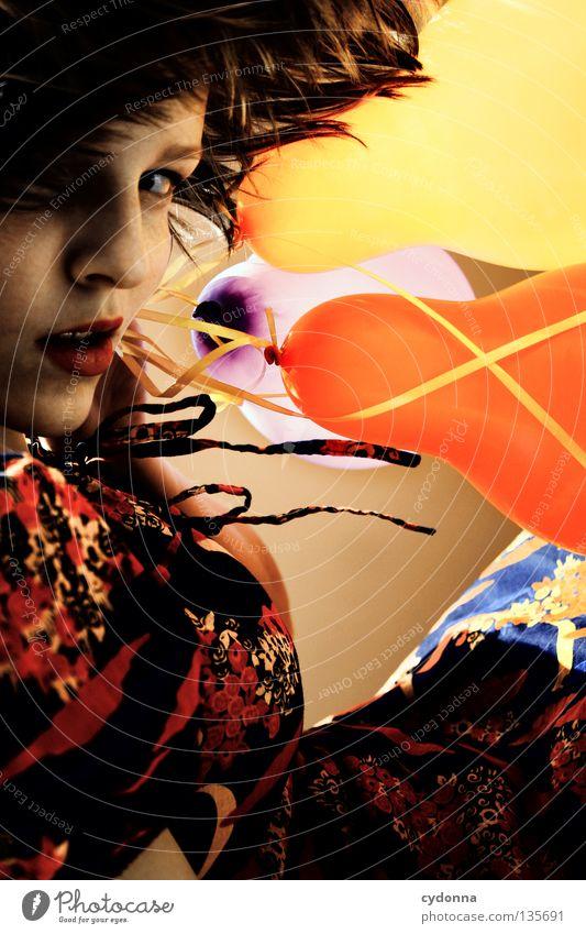 Seitenwind mit Blickkontakt Frau Mensch Freude Blume Spielen Gefühle Party Stil Stimmung Mund braun Hintergrundbild 3 Sicherheit Luftballon
