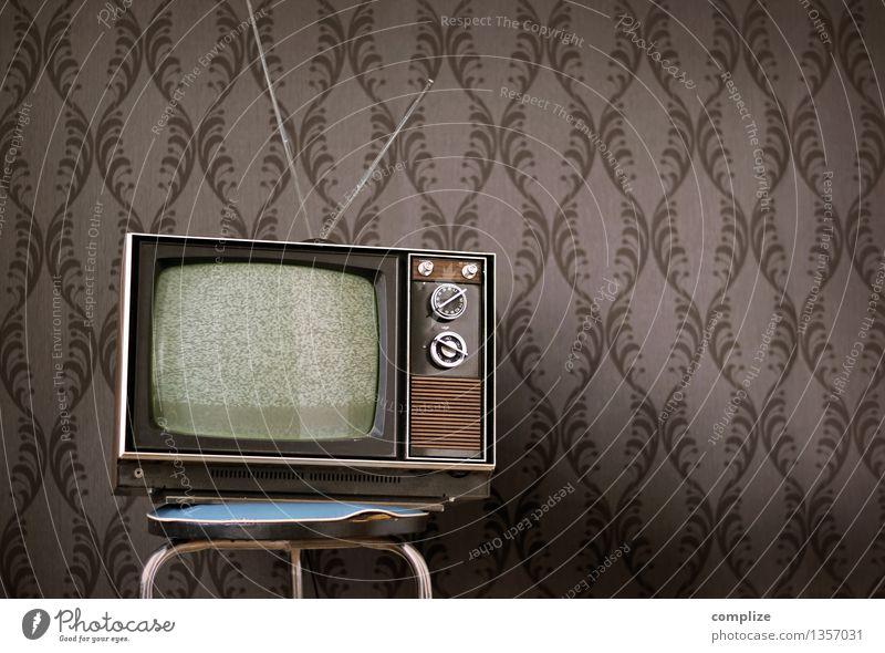 Vintage Television Erholung Einsamkeit Haus Innenarchitektur Stil Lifestyle Wohnung Raum Häusliches Leben Technik & Technologie Zukunft retro