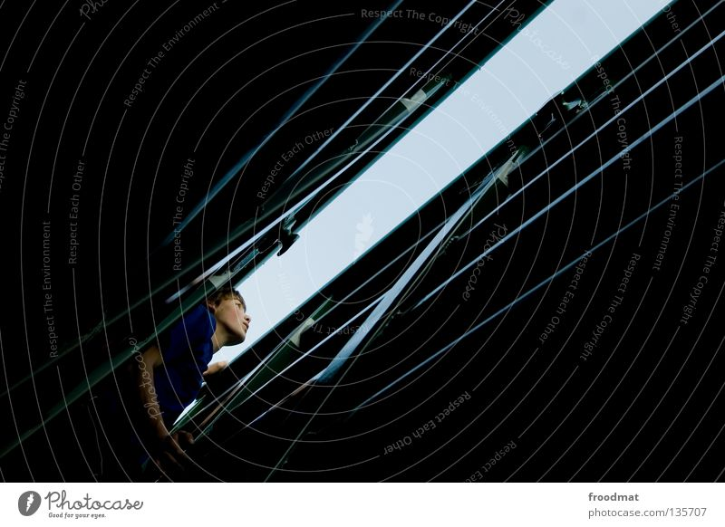 klaustrophobie Jugendliche Erholung dunkel Spielen Zufriedenheit Angst frei Erfolg ästhetisch verrückt Aktion Coolness Klettern Schweiz Mut Grenze