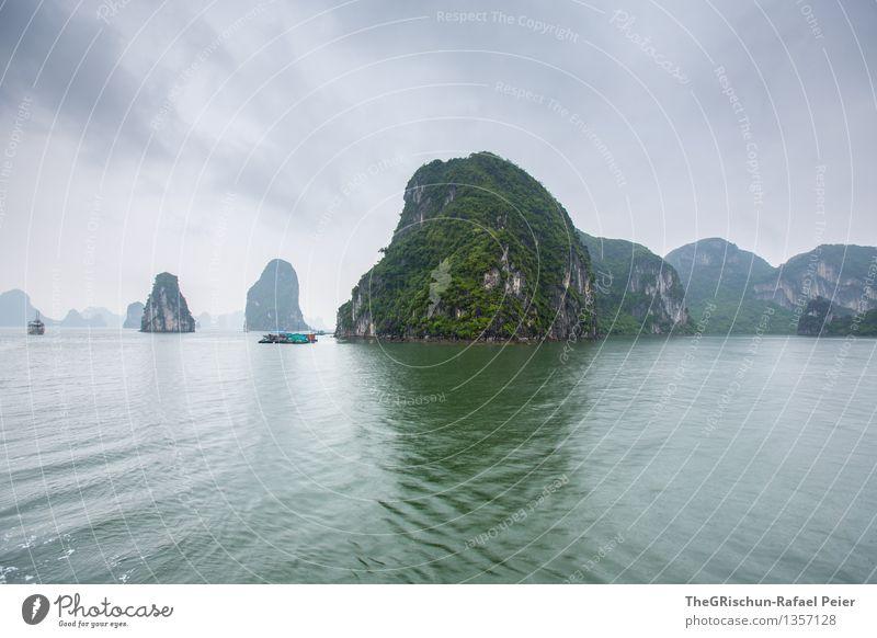 Fels Umwelt Landschaft Wasser Himmel Gewitterwolken blau grau grün silber weiß Meer Vietnam Halong Bay Felsen Stimmung Wolken Reisefotografie Wunder Farbfoto