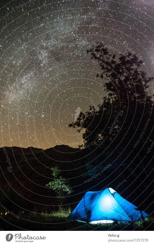 cosy-cold Himmel Natur Ferien & Urlaub & Reisen Baum Einsamkeit Landschaft ruhig Ferne Berge u. Gebirge Freiheit wandern Sträucher Stern Abenteuer Hügel Alpen