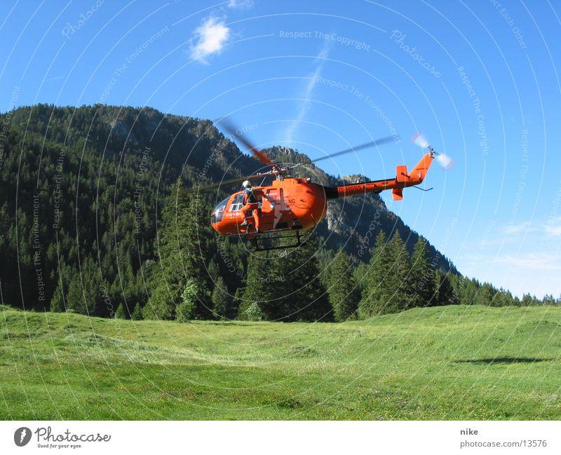 heli Luftverkehr Hubschrauber Rettungshubschrauber Bergwacht christoph 19 erste Hilfsbereitschaft Sanitäter Eurocopter