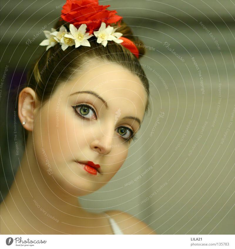 Chinatown II Frau rot Auge Haare & Frisuren Besteck Kultur Schminke Japan Fischgericht Sushi Chinesisch erschrecken Kosmetik Essstäbchen Geisha
