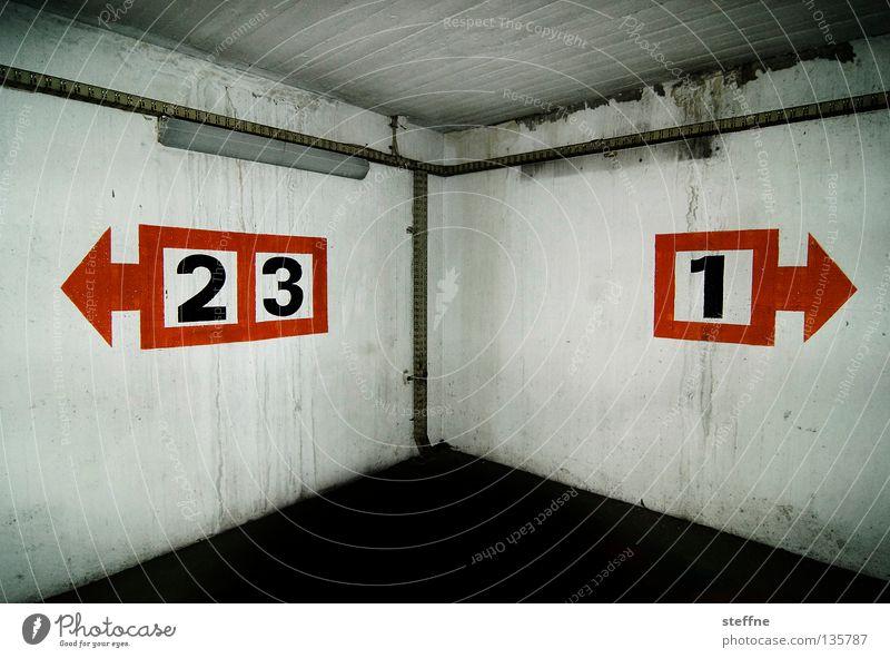 zweidrei1 JAHR photocase grau Beton Verkehr Ziffern & Zahlen Pfeil Richtung Verkehrswege Garage Parkhaus graphisch Jubiläum Parkdeck Tiefgarage geblitzt
