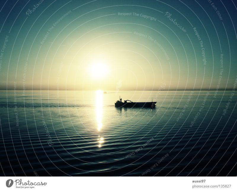 Ruhe. Meer ruhig Wasserfahrzeug Schifffahrt Kreuzfahrt Pazifik Sonnendeck