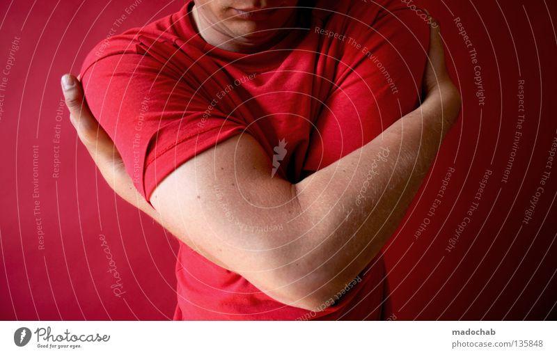 AUTOEROTIK MIT HERZ Mensch rot T-Shirt festhalten Valentinstag Kuscheln berühren überwältigt ruhig einfach sehr wenige minimalistisch Gebärdensprache Umarmen