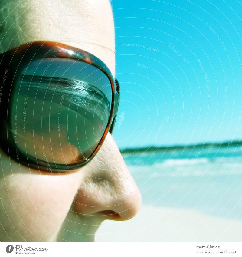 sonne im gesicht Ferien & Urlaub & Reisen Strand Meer Sonnenbrille Sonnencreme Brille Reflexion & Spiegelung Sommer Gesicht türkies Nase Wetterschutz lsf uv