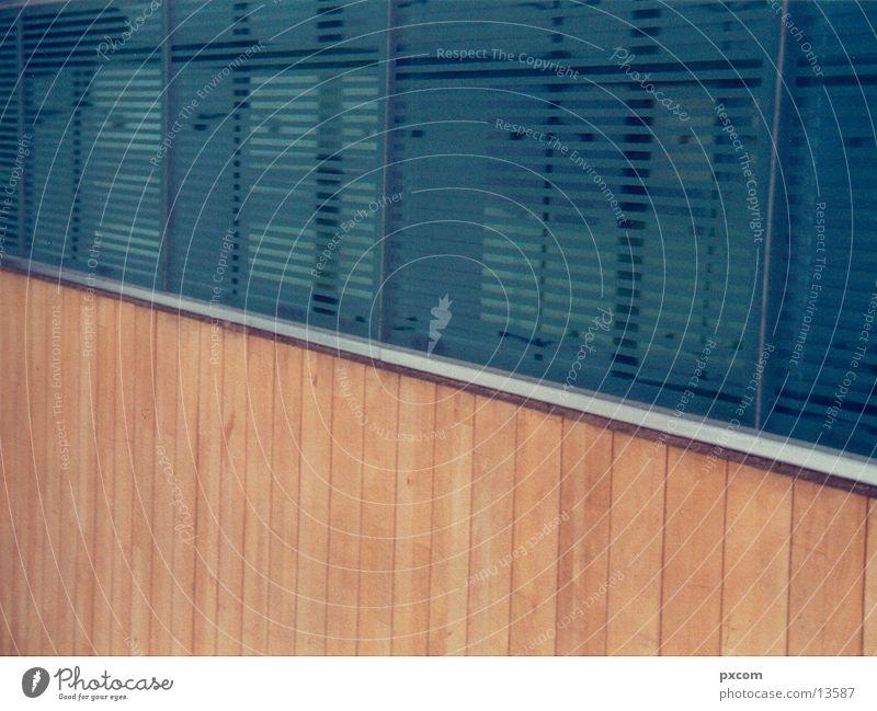 LE.MESSE.01 Holz Architektur Glas Nahaufnahme