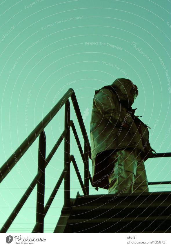 fireproof clothing Mensch Mann Wärme Treppe maskulin Sicherheit Bekleidung Industrie Körperhaltung Industriefotografie Schutz heiß Geländer Jacke Hose Anzug