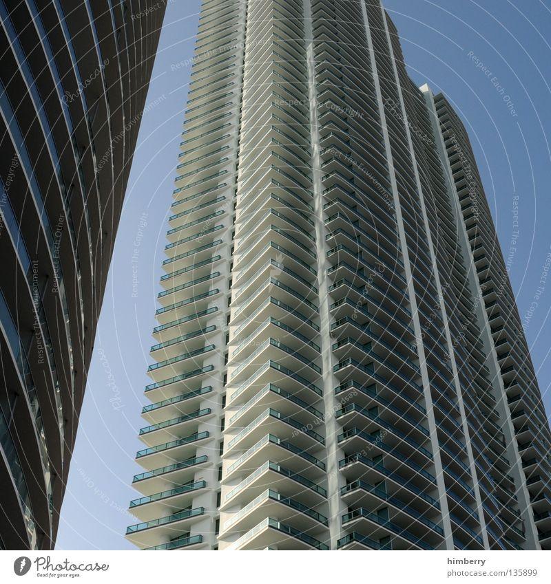 miami highlife Haus Gebäude Hochhaus Wolken Florida Miami Himmel Beton Silhouette Fassade Ausgabe Investor Nacht Stadt Kran Bauwerk Nachtleben modern building
