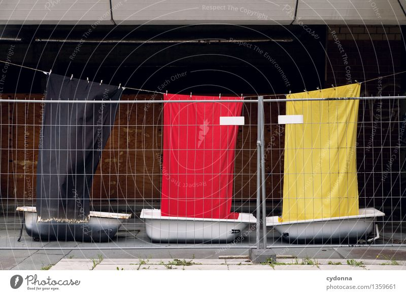 Ausgegrenzte Anhänger Einsamkeit Leben Freiheit Deutschland Zukunft Badewanne Zeichen Schutz Sicherheit Deutsche Flagge Stoff Zaun Fahne Barriere Beratung