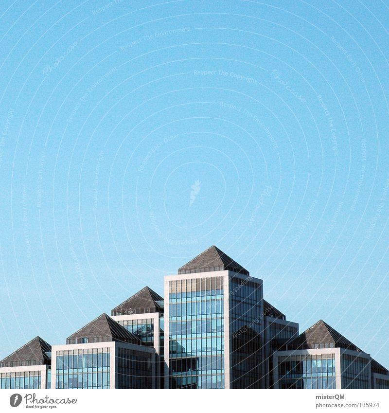 Pyramiden der Neuzeit. Himmel Sonne Stadt Freude Arbeit & Erwerbstätigkeit Fenster Metall Architektur Glas Hochhaus hoch frisch Europa modern