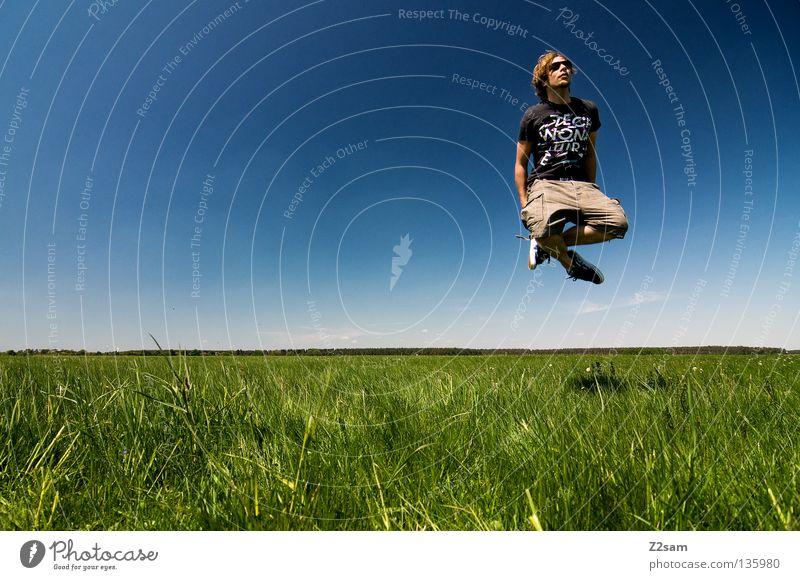 bayerischer buddha Himmel Mann Natur Jugendliche blau grün weiß Sommer ruhig Farbe Ferne Erholung Wiese Landschaft Gras springen