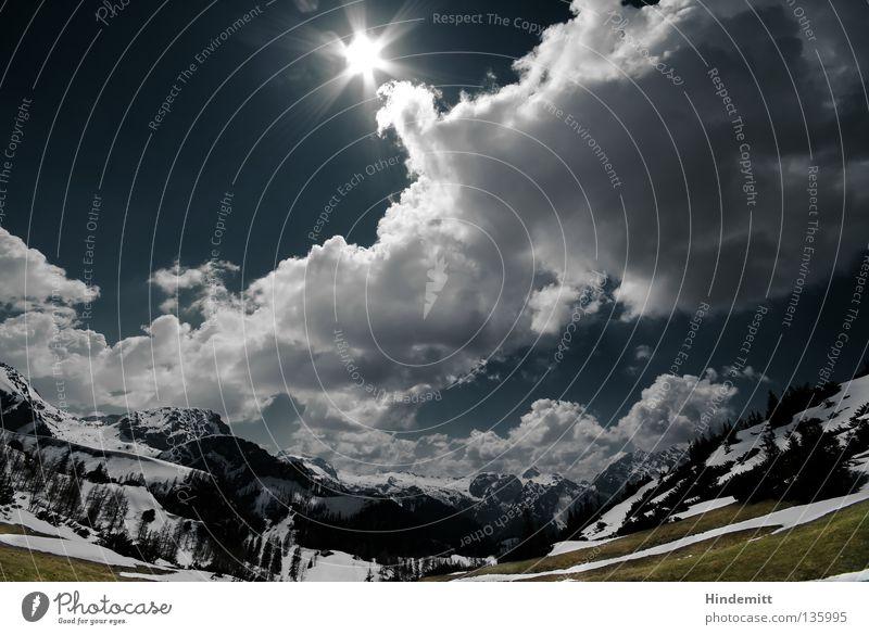 Der Watzmann lockt Wolken dunkel grün Weitwinkel Gipfel Wiese Alm Baum Ewigkeit erhaben Macht beeindruckend Ferne Wald schön ruhig Frühling Kraft