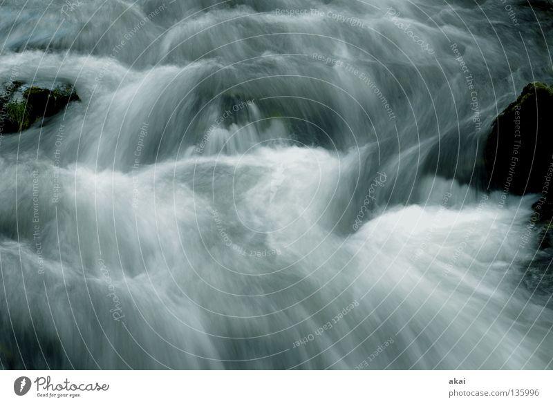 Erfrischung! Landschaft Wasser Bach Fluss Wasserfall kalt weich Wildbach graufilter Langzeitbelichtung Bewegungsunschärfe abwärts Geschwindigkeit Strömung