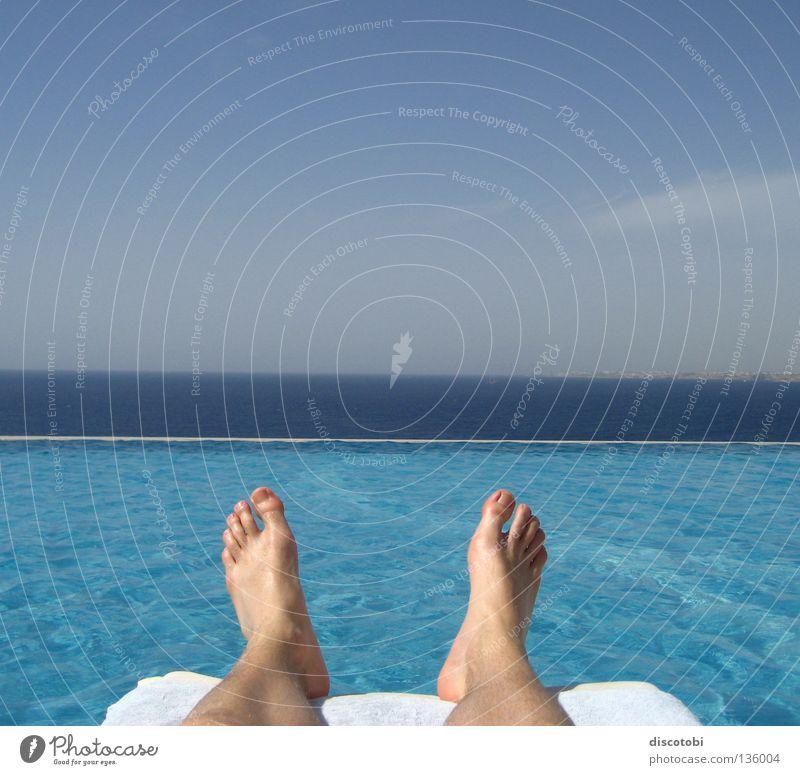 chillout Haut Erholung Ferien & Urlaub & Reisen Sommer Sonnenbad Meer Wellen tauchen Schwimmbad Fuß Wasser Himmel Wolken See blau Rotes Meer Ägypten Liege