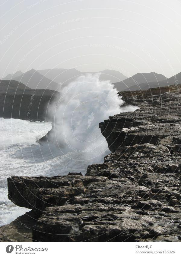 Die Brandung Wasser Meer Sommer Strand Ferien & Urlaub & Reisen Wellen Küste Felsen Fuerteventura