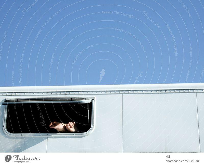 füße kühlen Fenster Pause kalt Physik Frieden Fuß Himmel blau Wärme