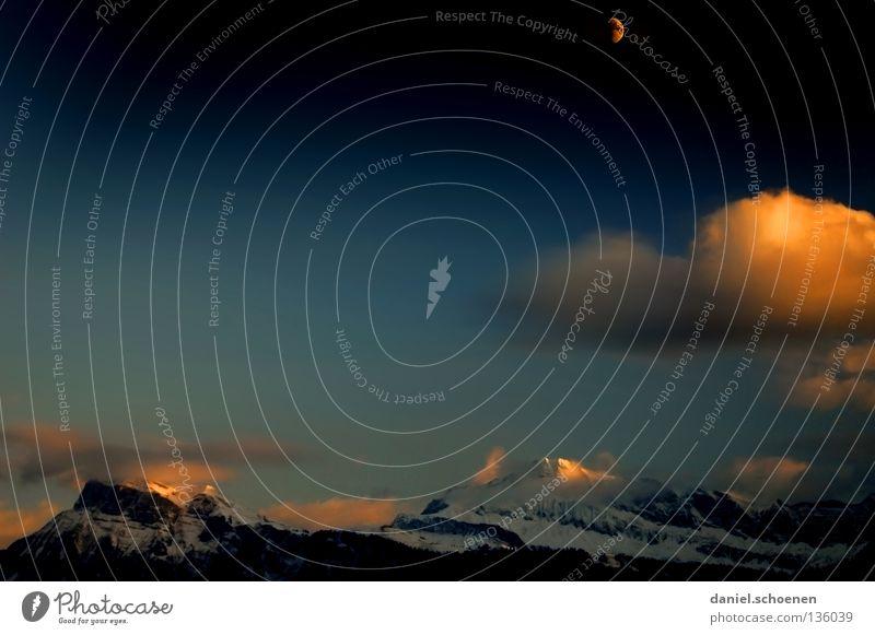 Mondaufgang Sonnenuntergang Cirrus Licht Schweiz Berner Oberland wandern Bergsteigen Freizeit & Hobby Ausdauer Wolken Hochgebirge Sauberkeit Luft rot gelb kalt