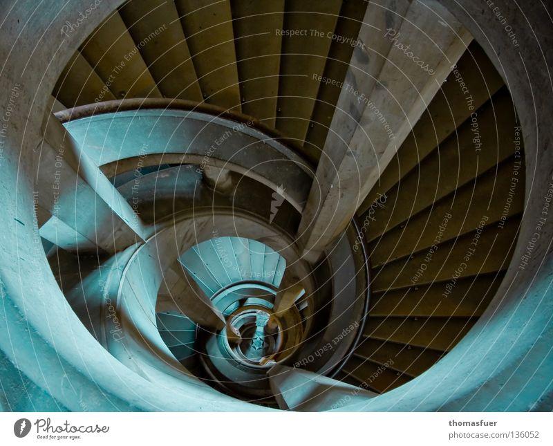 Sog Lebenslauf träumen Angst Architektur Treppe historisch aufwärts Panik Karriere abwärts steil Barock Höhenangst Alptraum Wendeltreppe