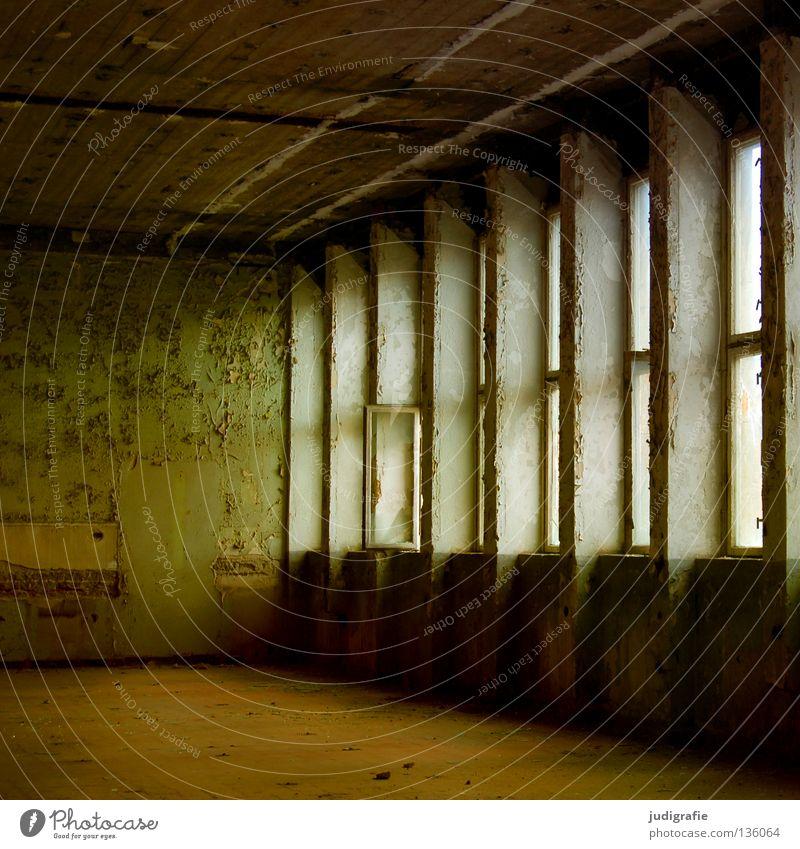 Industrieromantik alt ruhig Einsamkeit Farbe Fenster Raum leer Fabrik kaputt Baustelle verfallen Lagerhalle Demontage Kunstwerk