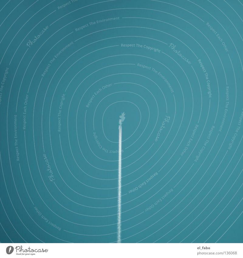 überflieger | senkrechtstarter Flugzeug türkis Geschwindigkeit Mitte zentral geradeaus vertikal parallel Luftverkehr Himmel blau Rauch Düsenflugzeug bla blubb