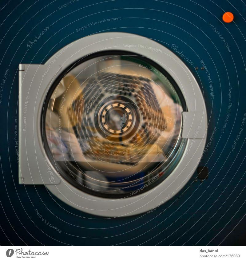 TRABANT blau Metall Glas Reinigen Sauberkeit Wäsche waschen Wäsche rotieren frontal Mittelpunkt Drehung Waschmaschine Vorderseite Öffnung Wäscherei Vignettierung
