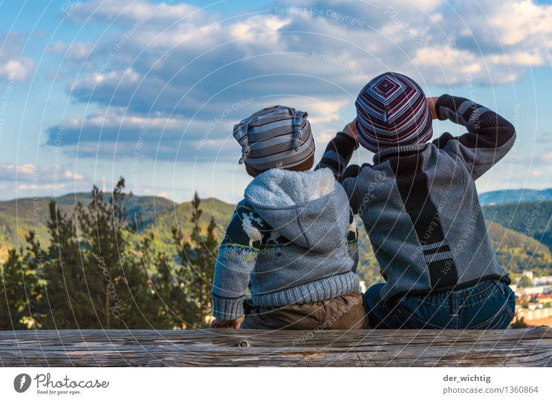 Fernweh #5 Mensch Kind Natur Ferien & Urlaub & Reisen Baum Wolken Wald Berge u. Gebirge Herbst Junge Familie & Verwandtschaft maskulin wandern Kindheit sitzen Ausflug