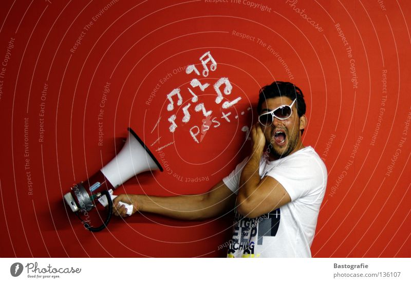lauter+++ rot Freude ruhig Wand Musik lustig verrückt Tontechnik Brille Ohr Schriftzeichen streichen schreien Konzert Rhythmus Schmerz