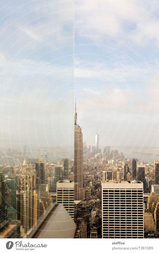 Blick hinter die Kulissen Himmel Herbst außergewöhnlich Hochhaus Schönes Wetter USA Stadtzentrum Scheibe Illusion Manhattan Empire State Building