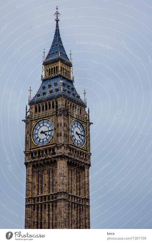 BIG. BEN. Himmel Stadt blau gelb grau Stein braun Fassade Uhr Spitze Europa Dach Turm Bauwerk Burg oder Schloss Wolkenloser Himmel