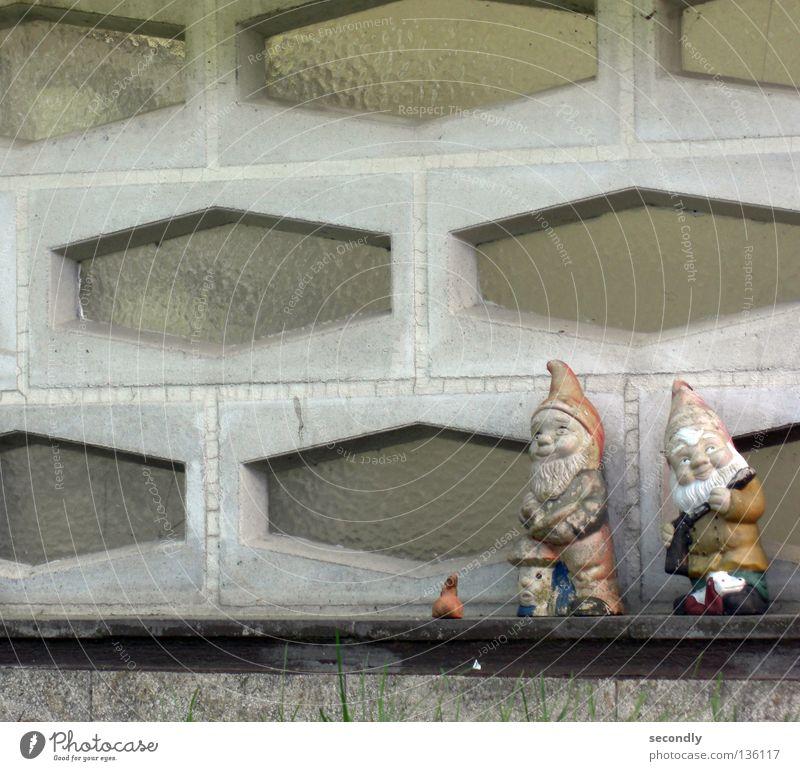 dwarves alt Einsamkeit Garten 2 retro Dekoration & Verzierung Vergänglichkeit Freundlichkeit Zwerg Gartenzwerge Weltkulturerbe Nikolausmütze Erdton