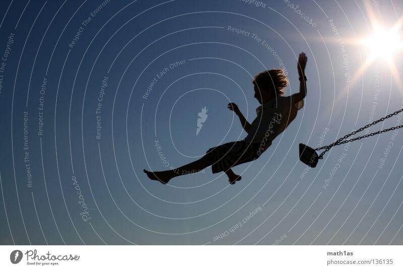 Schaukeln die dritte Himmel blau Sonne Meer Strand Spielen Junge Sand Fuß Kind Flügel Turm Schaukel Pfosten Swing