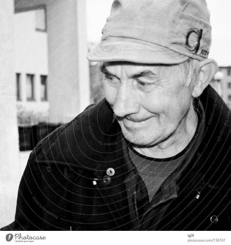 Freude kennt kein Alter Mensch Mann Erholung Freude Gefühle Senior lachen Glück Zeit Arbeit & Erwerbstätigkeit Zufriedenheit Energiewirtschaft Kreativität Lebensfreude Armut Vergänglichkeit