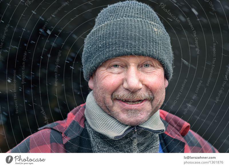 Mann Winter Gesicht Erwachsene Schnee lachen Glück Mode Wetter Fröhlichkeit Lächeln Freundlichkeit Jahreszeiten Hut Jacke reif