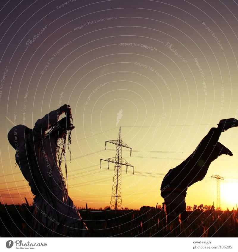 TAPE 3000 - MIXTAPE Musikkassette Kerl Mann maskulin Unsinn Wolken Seil Luft Schnur Haare & Frisuren Wissenschaften Konzert trashig Wand Beton stehen fertig