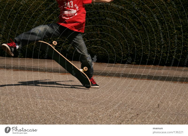 Skate it! VII Kind Jugendliche rot Freude schwarz Straße Sport Junge springen Spielen Bewegung Gesundheit fliegen Aktion Luftverkehr Freizeit & Hobby